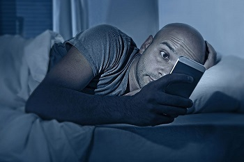 Looking at your phone in bed can increase stress