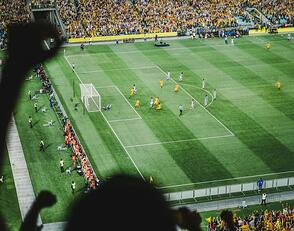 crowd-cheering-football