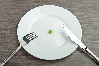 Plate with one pea