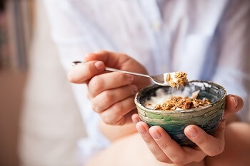 Muesli is a healthy breakfast choice.