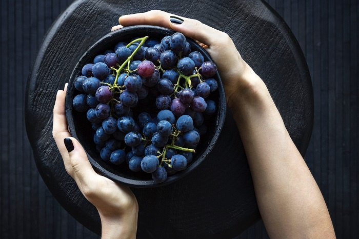 Red grapes contain all the nutritional benefits of red wine