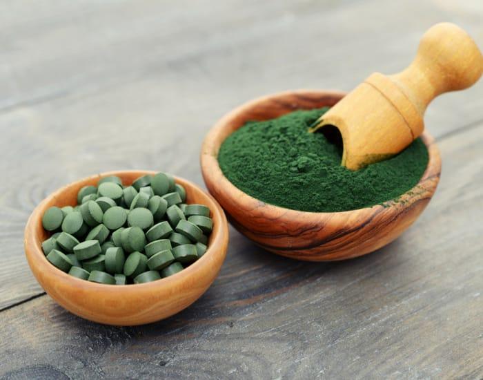 spirulina-powder-tablets