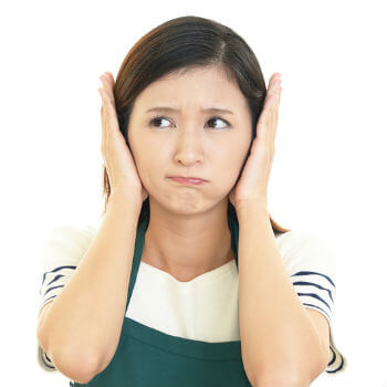 hearing loss symptoms in a girl