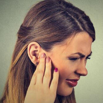 swimmers-ear-symptoms.jpg