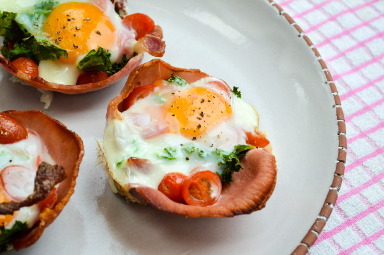 egg bacon kale cup